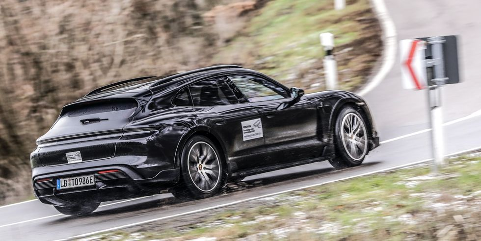 Porsche подтверждает, что скоро появится универсал Taycan Cross Turismo